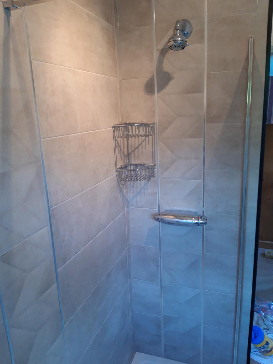 shower-room-shower-head-shower-tiles